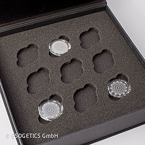 Set van drie grijze kristallen